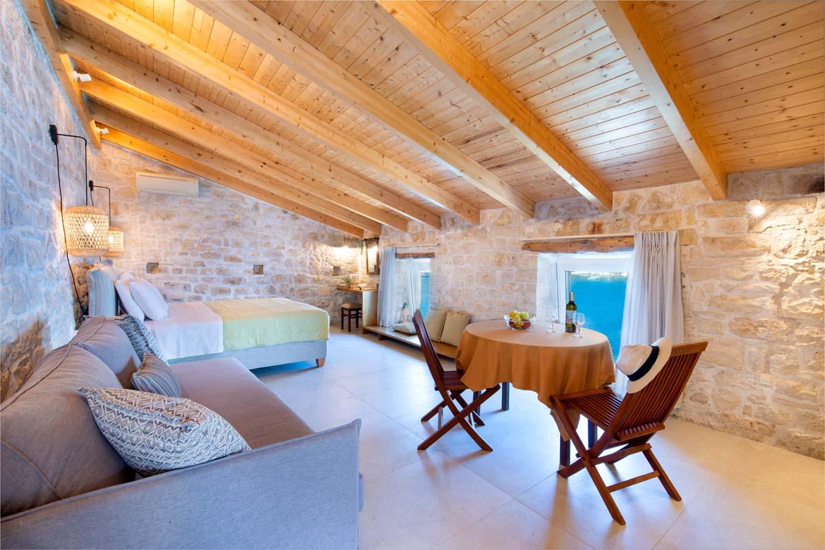 NIRIIS Bungalow by Stemar Villas Luxury Club (1)